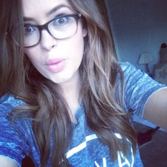 Computer glasses are designed to block harmful blue light and are recommended as a result of many studies Tanya Burr, Geek Chic Glasses, Celebrity Selfies, Celebrity News, Big Glasses, Computer Glasses, Womens Glasses, Beautiful Celebrities, Woman Crush