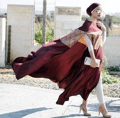 Today here we familiarized long cape abaya collection. Nice abaya fully covered up your body and you Muslim Women Fashion, Arab Fashion, Islamic Fashion, Dubai Fashion, Beautiful Hijab, Beautiful Outfits, Beautiful Women, Modesty Fashion, Turban Style