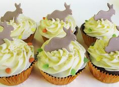 Easter Bunny Cupcakes! All our cupcakes are baked from original recipes using the best locally sourced ingredients. Take a few minutes to follow Johnnie Cupcakes and check out more of our wonderful cakes!  #cupcakes #baking #design #cakedecorating