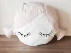 """38 Synes godt om, 4 kommentarer – SD&fund (@stroemsholtdesign) på Instagram: """"Olidoll pude. #DIY #preggo #syning #salg #Babymode #børnemode #Fashion #Hjemmelavet #olidoll…"""""""