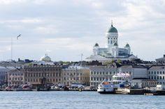 Mit Warnschüssen hat die finnische Marine ein vermutetes U-Boot in Gewässern vor der Hauptstadt Helsinki verjagt. Das verdächtige Objekt war an zwei aufeinander folgenden Tagen gesichtet worden.