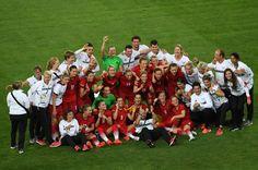 Gold für die DFB-Frauen: Die deutschen Fußballerinnen haben im Finale gegen schweden 2:1 gewonnen- der erste Olympiasieg in der geschichte des DFB