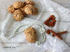 State già pensando ai regalini di Natale? Questi biscotti possono fare al caso vostro. Qui la ricetta: http://www.ipasticciditerry.com/biscotti-leggeri-alle-mandorle/