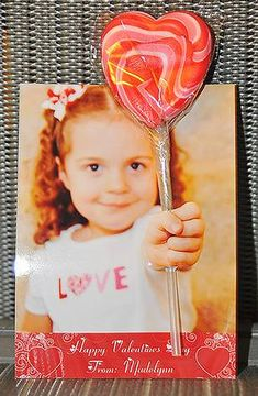 Super cute idea for a homemade Valentine. 3D photo card.