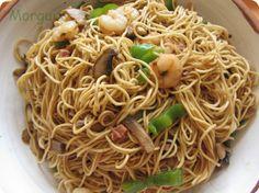 El Puchero de Morguix: Wok de fideos chinos con pimiento, champiñón, jamón y gambas