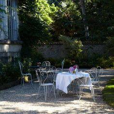 Alfresco Dining   Manoir Du Moulin   France   Travel Review   redonline.co.uk