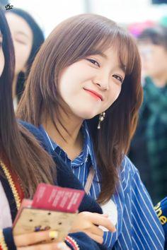 Sejeong from Gugudan South Korean Girls, Korean Girl Groups, Jung Chaeyeon, Choi Yoojung, Kim Sejeong, Jellyfish Entertainment, K Pop Star, Girls World, Korean Artist