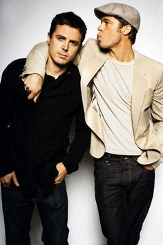 Casey Affleck and Brad Pitt.have mercy! Bard Pitt, Ben And Casey Affleck, Assassination Of Jesse James, Brad Pitt And Angelina Jolie, Hollywood Actor, Fine Men, Celebrity Crush, Celeb Style, Good Looking Men