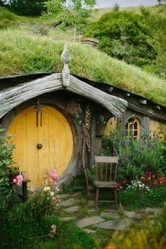 Yellow Hobbit Door on hobbit house Oh The Places You'll Go, Places To Travel, Places To Visit, Casa Dos Hobbits, Winter Holiday Destinations, Holiday Travel, New Zealand Travel, Middle Earth, The Hobbit