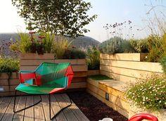 La terrasse aménagée de la piscine Molitor à Paris (75)
