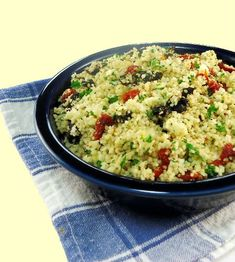 Sounds like it has all the shit I would want to find in mah couscous - Couscous with sun-dried tomatoes and feta cheese, One Perfect Bite Healthy Pasta Recipes, Salad Recipes, Vegetarian Recipes, Cooking Recipes, Cooking Tips, Lebanese Recipes, Great Recipes, Dinner Recipes, Favorite Recipes