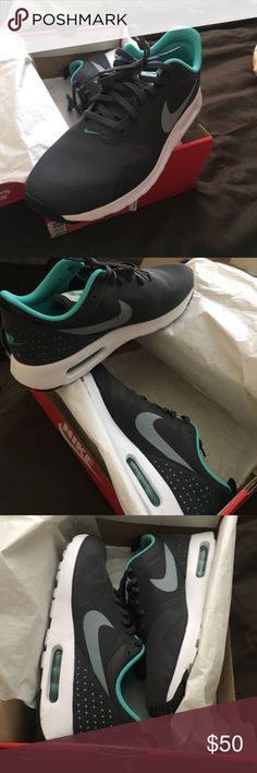 low priced 40952 e3eba Nike Air Max Tavas Brand new Nike Air Max Tavas size 9 Nike Shoes Sneakers  Modelo