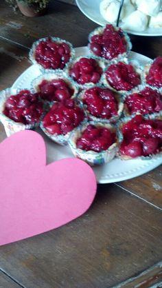 Quuen of Heart's tarts. Ellie's actual party.
