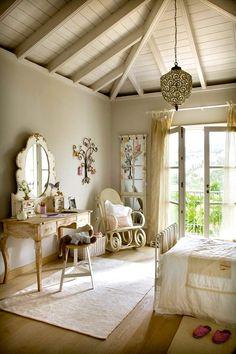 vintage vanity for teen girls room