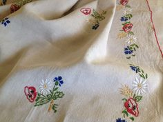 ANTIQUE / VINTAGE FRENCH LINEN TABLECLOTH - FLOWERS & WHEAT EMBROIDERED