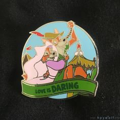 ROBIN HOOD & MAID MARIAN Love is Daring Chaser. This is one of the LE 250 chasers from the Love is an Adventure mystery collection. This pin features Robin Hood and Maid Marian swinging on a rope. Disney Trading Pins, Disney Pins, Disney Love, Drawing Pictures, Pictures To Draw, Funny Pictures, Robin Hood 1973, Disney Countdown, Maid Marian