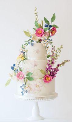 Wedding Cake Inspiration - Rosalind Miller Cakes - MODwedding - W. Wedding Cake Roses, Floral Wedding Cakes, Amazing Wedding Cakes, Fall Wedding Cakes, Wedding Cakes With Flowers, Elegant Wedding Cakes, Floral Cake, Elegant Cakes, Wedding Cake Designs