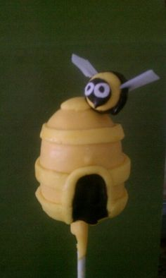 Beehive Cake Pop
