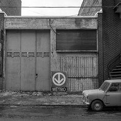 """Propos Montréal on Instagram: """"Ce petit bâtiment secret du Métro au 7536 rue Berri est toujours là tout comme sur cette photo de 1965 non loin de la rue Faillon à demi…"""" U Bahn, Architecture, Garage Doors, Photos, Outdoor Decor, Loin, Instagram, Comme, Industrial"""