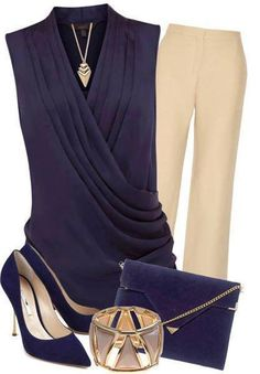 #LookDelDía una combinación perfecta de beige y azul marino para lucir increible en una reunión de trabajo o comida.