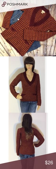 """🆑CLEARANCE🆑 ARIZONA JEAN COMPANY SWEATER Cool color combo of dark burgundy and butterscotch. V-neck with low front pockets. Gently used. Armpit to armpit 15"""" length 23.5"""" Arizona Jean Company Sweaters V-Necks"""