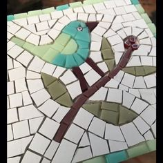 If you can't get along to a class art ideas videos Learning online Faux Stained Glass, Stained Glass Designs, Mosaic Designs, Mosaic Patterns, Mosaic Garden Art, Mosaic Flower Pots, Mosaic Art Projects, Mosaic Crafts, Mosaic Birds