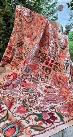 American Houses, Contemporary Embroidery, Ikat Fabric, Fabric Strips, Central Asia, Handmade Pillows, Traditional Art, Hand Embroidery, Needlework