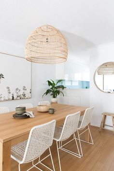 Small Apartment Decorating, Decorating Small Spaces, Decorating Ideas, Decor Ideas, Oak Dining Table, Décor Boho, Home And Deco, Bedroom Styles, Dining Room Design