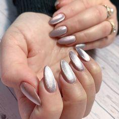 Polygel Nails, Oval Nails, Nail Manicure, Nail Parlour, Colored Acrylic Nails, Heart Nail Designs, Nail Candy, Artificial Nails, Stylish Nails