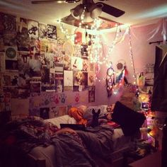 I wish I was a teenager again so it would be acceptable to currently decorate my room like this.