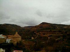 Para hoy martes os dejo esta fotografía de nuestro pueblo donde hoy habrá de todo sol y nubes