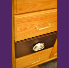 Tutorial for staining oak cabinets an espresso color...looks much easier than painting. * ideal