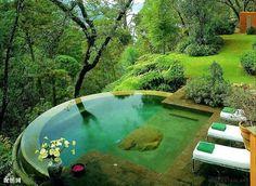 Este seria sin duda el mejor sitio para relajarse..... Adoro esta piscina