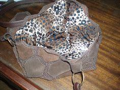 La Casita de Anama: Bolso con retazos de cuero y crochet