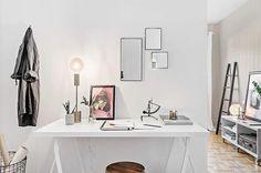 Skrivbordsnödvändigheter på Pinnharvsgatan. Foto: Liv Vikingson @livanlivanlivan