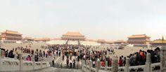 La Pekín que honra la modernidad y al emperador
