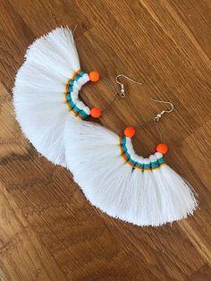 Oval Hammered Hoop earrings in Gold fill, gold filled hoop earrings, hammered hoop e. Oval Hammered Hoop earrings in Gold fill, gold filled hoop earrings, hammered hoop earring Diy Tassel, Macrame Jewelry, Fabric Jewelry, Tassels, Diy Earrings, Earrings Handmade, Crochet Earrings, Tassel Earrings, Hoop Earrings