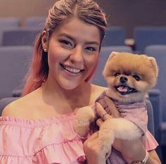 Lesslie y jiff pom Animals Of The World, Animals And Pets, Cute Animals, Most Instagram Followers, Jiff Pom, Disney Decendants, Guinness World, Teacup Puppies, Good Dates