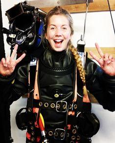 Pin by Emperor on DivingScuba t Helmets Scuba Wetsuit, Diving Wetsuits, David Beckham Suit, Diving School, Women's Diving, Scuba Girl, Viking Woman, Biker Girl, Rain Wear