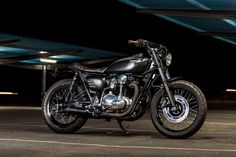 Spanish Style: Macco Motors' Kawasaki W650 via @bikeexif