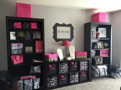 Talk about organization! Thirty One has SO MANY products to help me organize my office!