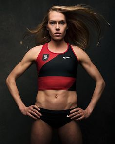 Health Motivation Grab Some Water, Because This Olympian's Ab Routine Will Set Your Core on Fire - If we asked you to take a guess at how Olympic runners train, abs might not be the first thing that comes to mind, but Rio 2016 Olympian Colleen Quigley is Ab Day Workout, Track Workout, Abs Workout For Women, Workout Ideas, Colleen Quigley, 5 Minute Abs, Olympic Runners, Ladder Workout, Ab Routine