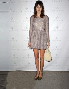 Victoria Beckham, Dita Von Teese, Alexa Chung, Diane Kruger and Emma Watson all wear flat shoes | ELLE UK