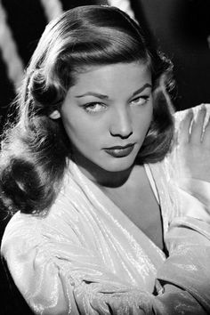 Lauren Bacall Dies at 89 - Lauren Bacall's Most Iconic Style Moments Old Hollywood Movies, Old Hollywood Glamour, Golden Age Of Hollywood, Vintage Hollywood, Hollywood Stars, Hollywood Actresses, Classic Hollywood, Lauren Bacall, Humphrey Bogart
