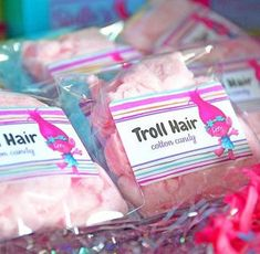 If you're looking to celebrate a special someones birthday with a Trolls theme, here are some fabulous ideas. They are happy and full of color. Craft, eat and party with these ideas for a successful Troll birthday bash. 6th Birthday Parties, Birthday Fun, Birthday Ideas, Trolls Birthday Favors, Birthday Party Giveaways, Trolls Party, Party Favors, Candy Party, Fete Emma