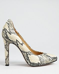 Snake-skin print is going to be HUGE this fall,that being said,we are obsessed with these @RachelZoe pumps!  #RachelZoe