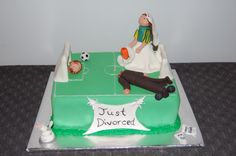 17 Mortifying Yet Funny Divorce Cakes-For some, a divorce is a painful and traumatic experience, and for others, it's a celebration of new life and freedom. The latter are the people who celebrate with cakes and we've found some honest, some humorous, and some downright horrifying divorce cakes.