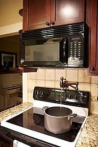I love the faucet over the stove! That would make life SO much easier some times