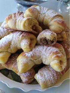 Toto sa vám páčilo v roku 30 najklikanejších receptov uplynulého roka Serbian Recipes, Czech Recipes, Sweet Recipes, Cake Recipes, A Food, Food And Drink, European Dishes, Sweet Buns, Food Gallery