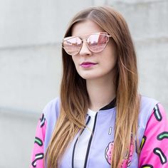BUY THESE GLASSES: http://www.wayfarer.cz/trendy-zrcadlove-bryle